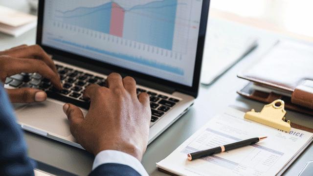 分析客户数据